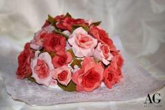 Bouquet di rose modellate a mano