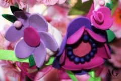 Particolare di fiori realizzati a mano in fommy