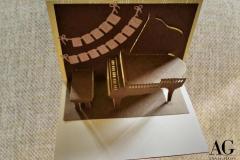 Biglietto buon compleanno con pianoforte