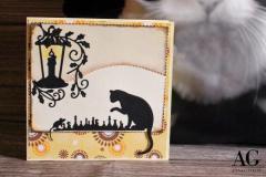 Simpatico biglietto con gatto e topo che giocano a scacchi adatto per gli amanti di questo gioco