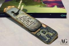 Segnalibro con aforisma scritto a mano per appassionati del gioco degli scacchi realizzato in cartoncino decorato e dipinto a manualmente