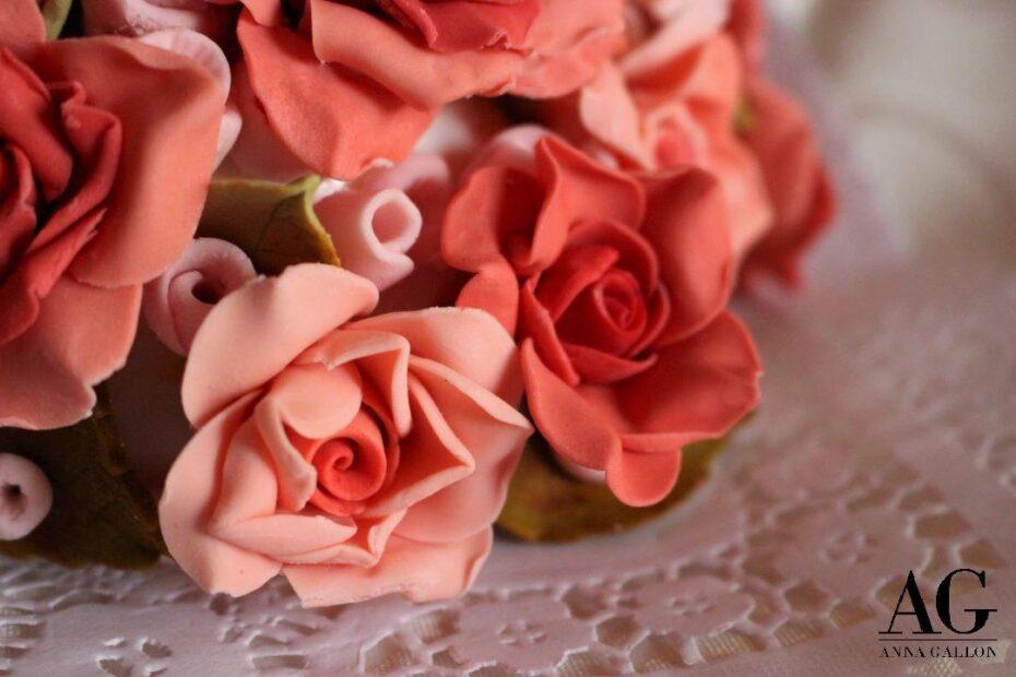 Rose realizzate a mano - Elemento decorativo realizzato in pasta di zucchero